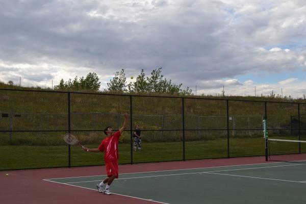 Rangeview+Tennis+Team+strives+to+win+league