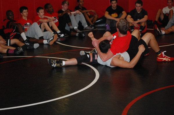 Senior+Sam+Maes+goes+all+out+in+wrestling+match.+%28Quaid+Vincent%29+