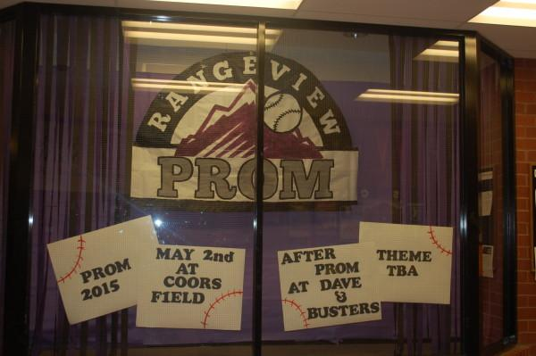 Window+Display+of+Prom+Preview%3A+Michael+Smith%0A