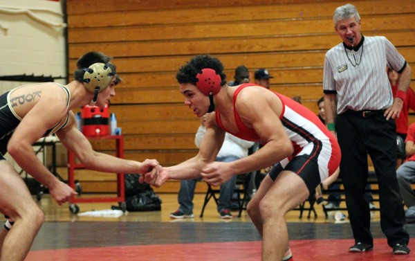 Photo+of+the+day%3A+Wrestlers+try+to+pin+Trojans+for+crown