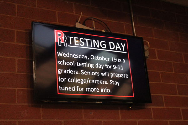 It%27s+the+first+day+back+from+Fall+Break+and+Rangeview+is+getting+ready+to+test.+Freshmen%2C+Sophomores%2C+and+Juniors+will+be+taking+tests+on+Wednesday+to+prepare+them+for+the+SAT.+%28Izzy+Honey%29+