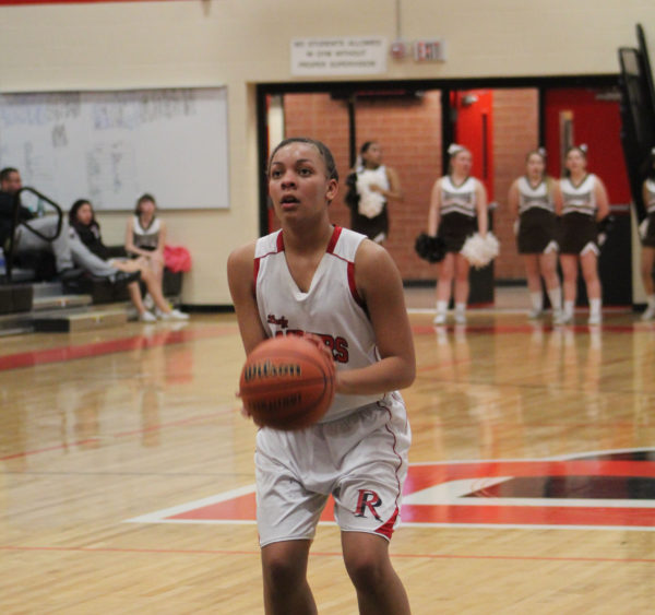 Lady Raiders roll to Ralston Valley