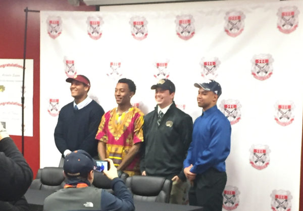 Rangeview+athletes+sign+for+their+future