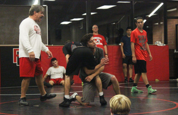Rangeview+wrestling+hits+the+mat