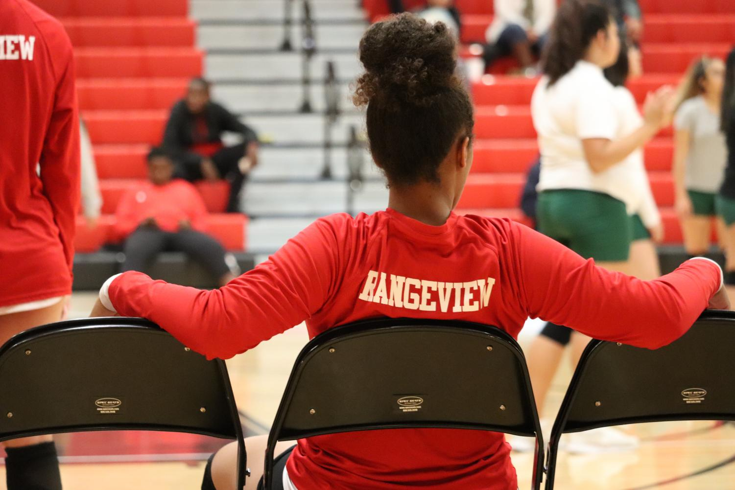 Raider sophomore Grace Solarin gets ready for a game with her Rangeview volleyball team. The volleyball season has now ended.