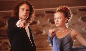 Heath Ledger and Julia Styles pose for a photo while on the set of 10 Things I Hate About You. (Touchstone Pictures)