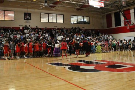 The senior class at the end of the assembly. (Hayley Thompson)